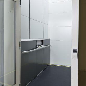 CIBES A8000 - śrubowa do przewozu łóżka szpitalnego